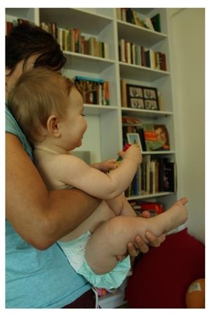 התפתחות מוטורית של תינוקות - חיזוק זוקפי גב - הרמת ראש - התהפכות