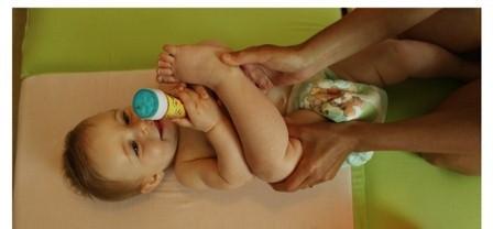 התפתחות תינוקות - תרגילי התהפכות -עידוד התהפכות - טיפים להתהפכות